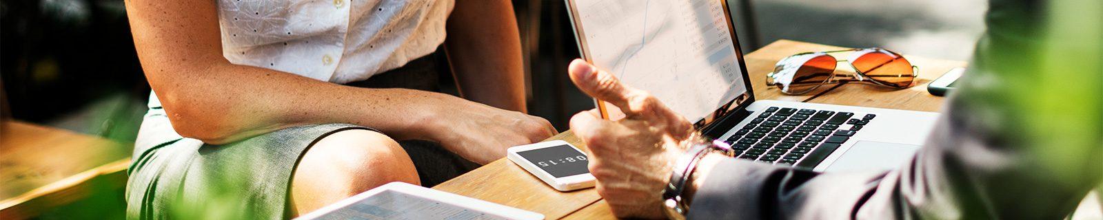 Hintergrundbild mobiles Business – Fachbereich Finanzwissenschaften