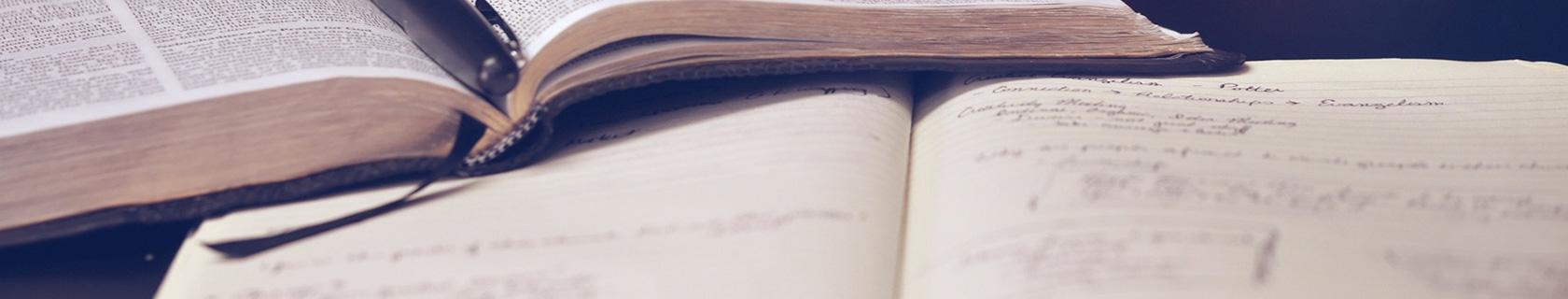 Titelbild: Wissenschaftliche Texte schreiben